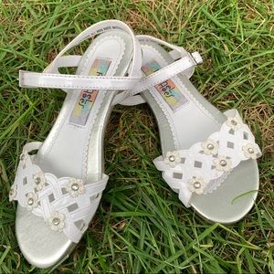 Rachel Shoes White Strappy Girls Sandal Size 13M